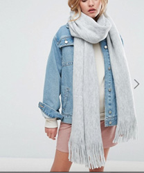 ASOS - Écharpe longue à franges en tricot ultra doux