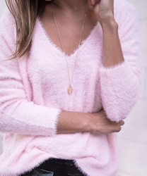 PULL DOUX CALIN D'HIVER COL V ROSE