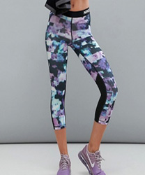 Nike - Pro Training - Leggings courts à fleurs