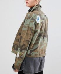 Levi's - Veste d'entraîneur brodée à motif camouflage