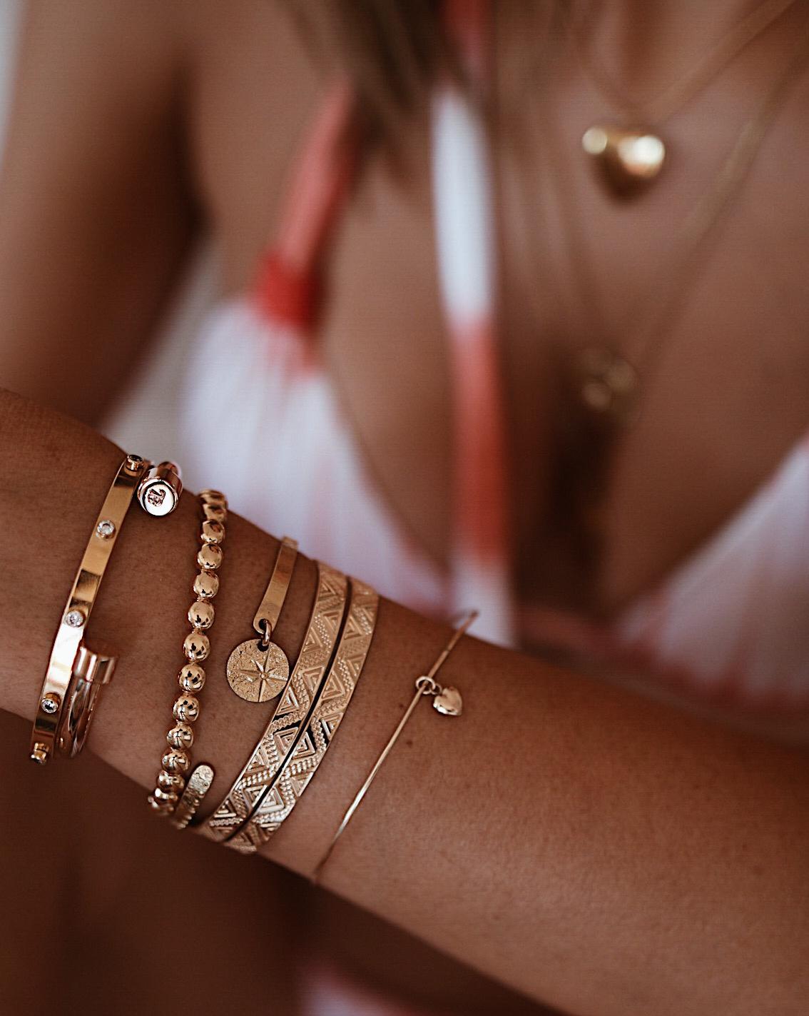 ACCUMULATION JONCS OR, BRACELET OR, BRACELET LAYERING, GOLD BRACELETS, GOLD BRACELETS LAYERING