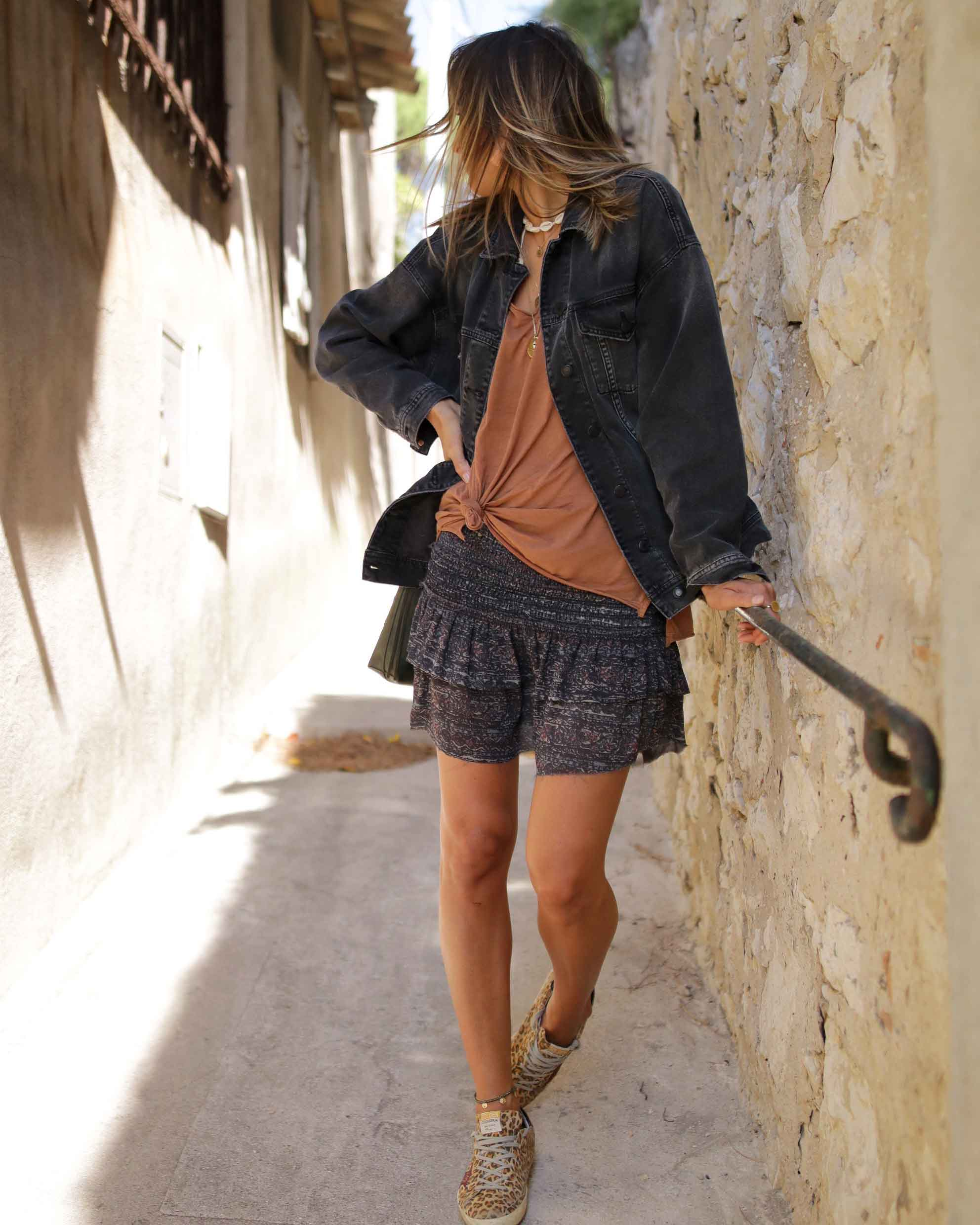 MINI SKIRT with oversize black denim jacket, fashion blogger, summer look, casual style, golden goose sneakers