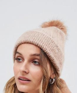 ASOS DESIGN – Bonnet pelucheux avec pompon en fausse fourrure