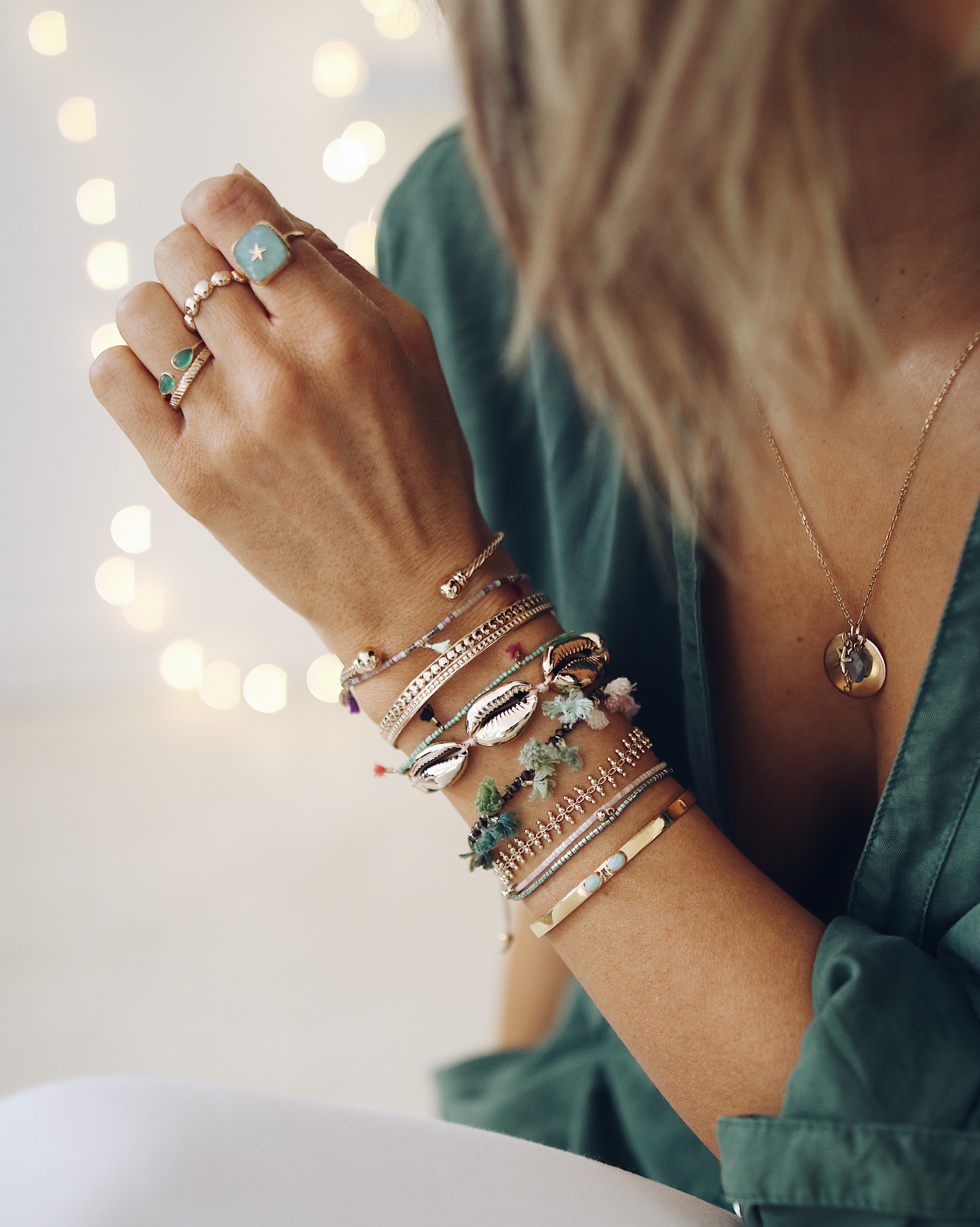 BRACELETS LAYERING, gold lover and jewelry addict