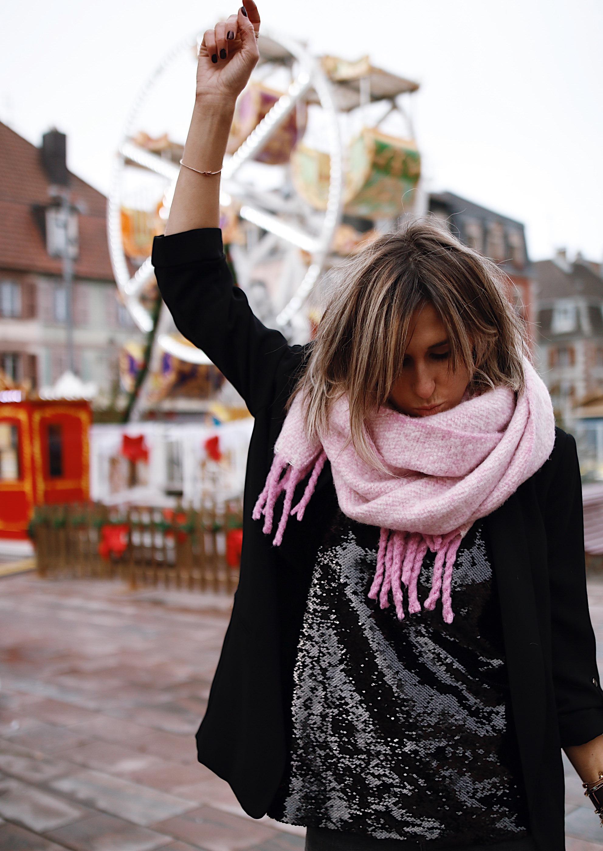 grosse écharpe en laine rose