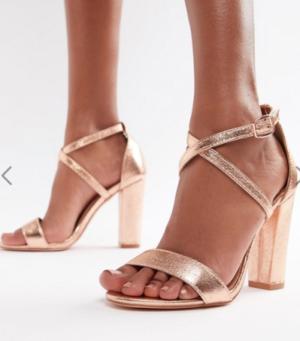 Glamorous – Sandales à talons carrés et brides croisées métallisées – Or rose