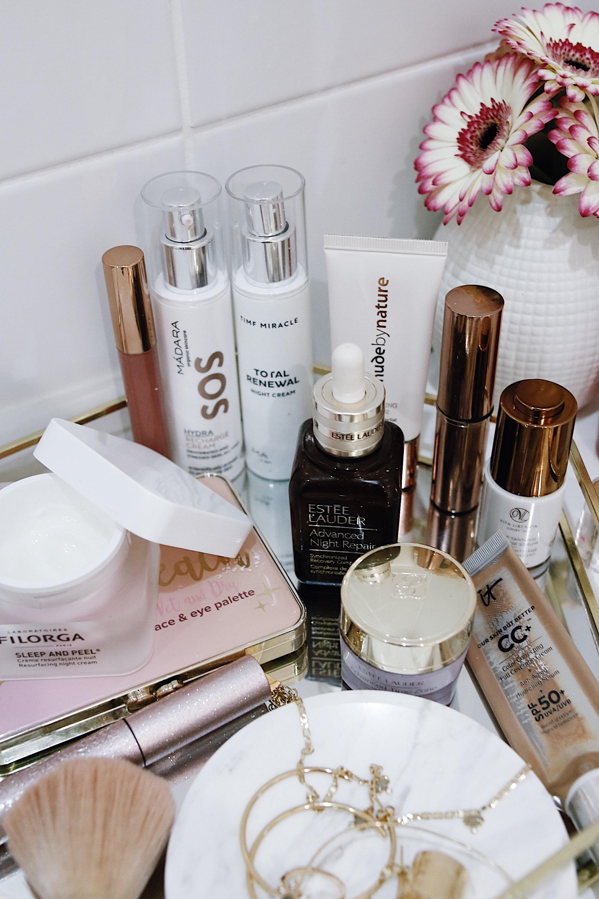 BEAUTY CORNER, produits de beauté favoris, conseils cosmétiques et soins de la peau, beauty products i love