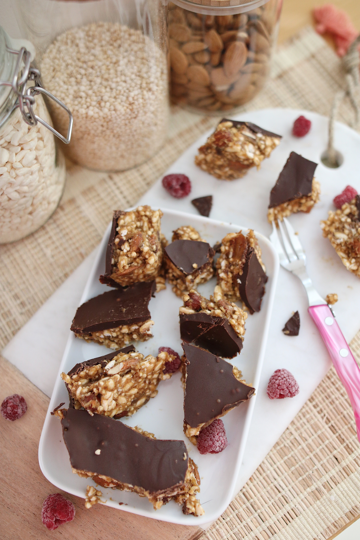 RECETTE BARRES HEALTHY CHOCOLAT AMANDE BEURRE DE CACAHUETE, sans gluten, sans sucre, sans cuisson