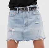Levi's – Mini-jupe en jean avec déchirures et ourlets bruts