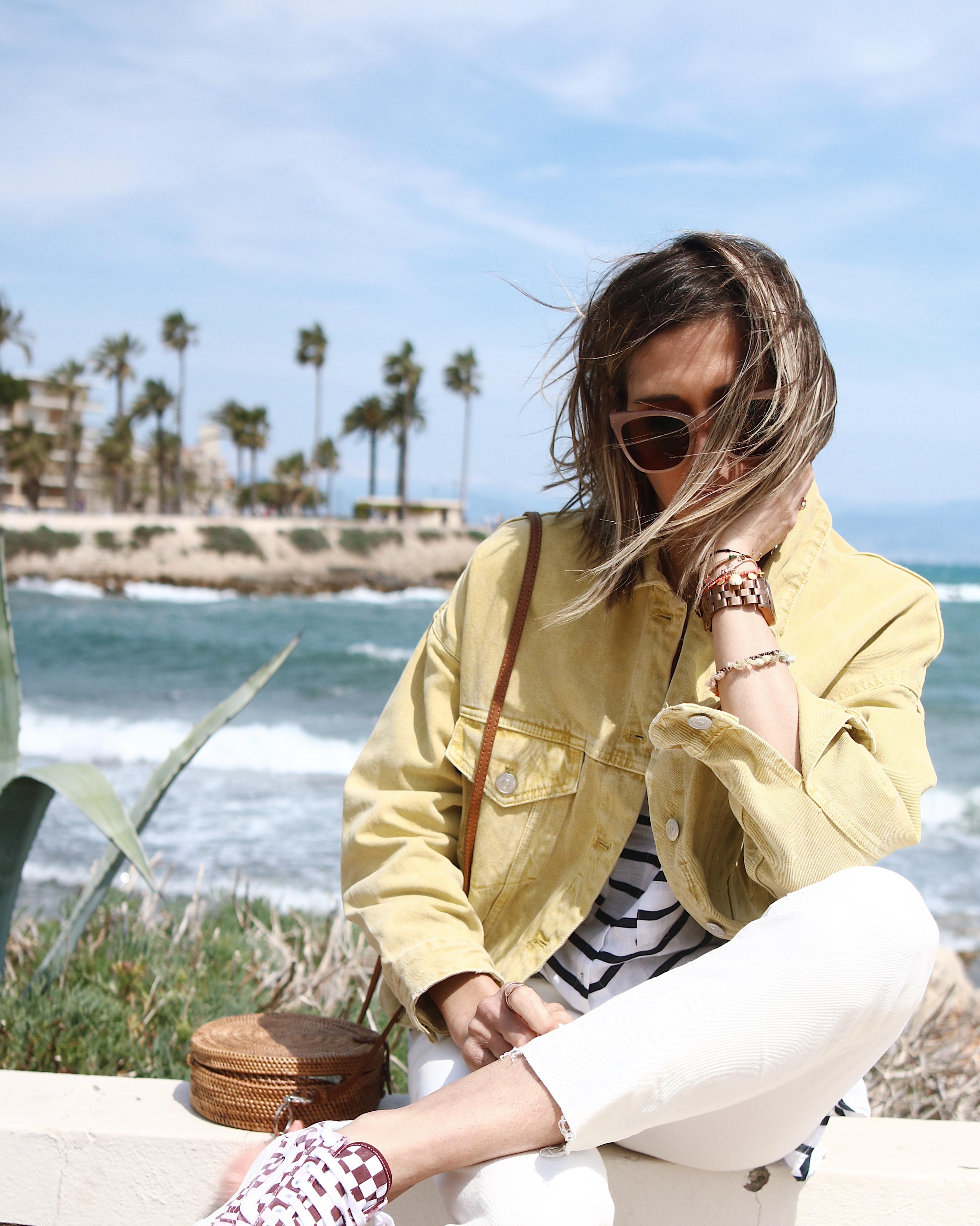 Chon & CHON - WINDY - blog mode et bijoux, casual look Zara, jeans blanc et veste denim jaune, chemise lin rayée