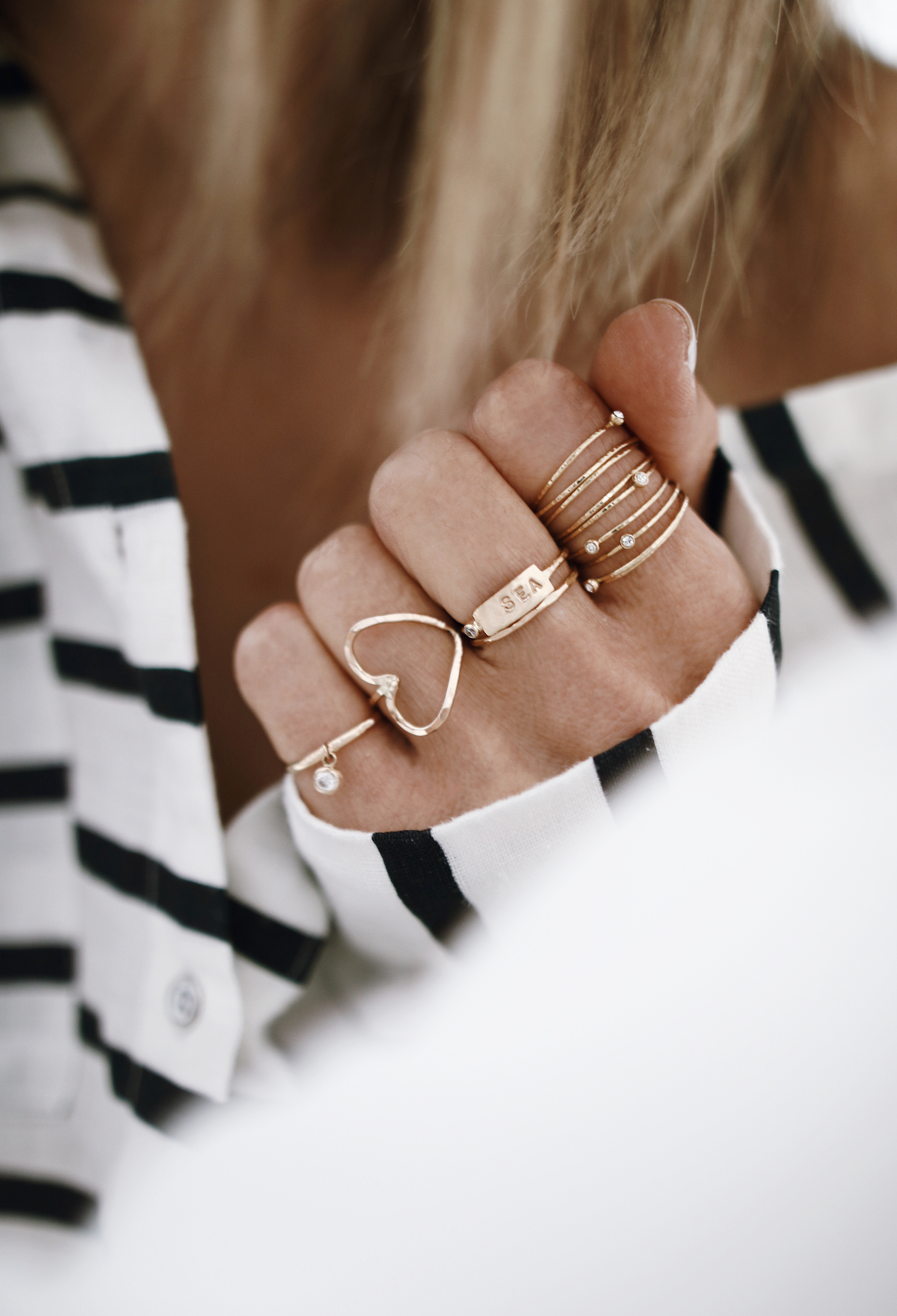 Chon & CHON - WWW.CHONANDCHON.COM Goldrings, rings stack, jewelry layering, gold jewelry, jewelry blogger
