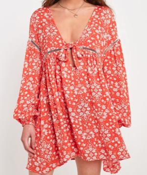 MINKPINK – Robe courte Babydoll Delilah à imprimé floral urban outfitters