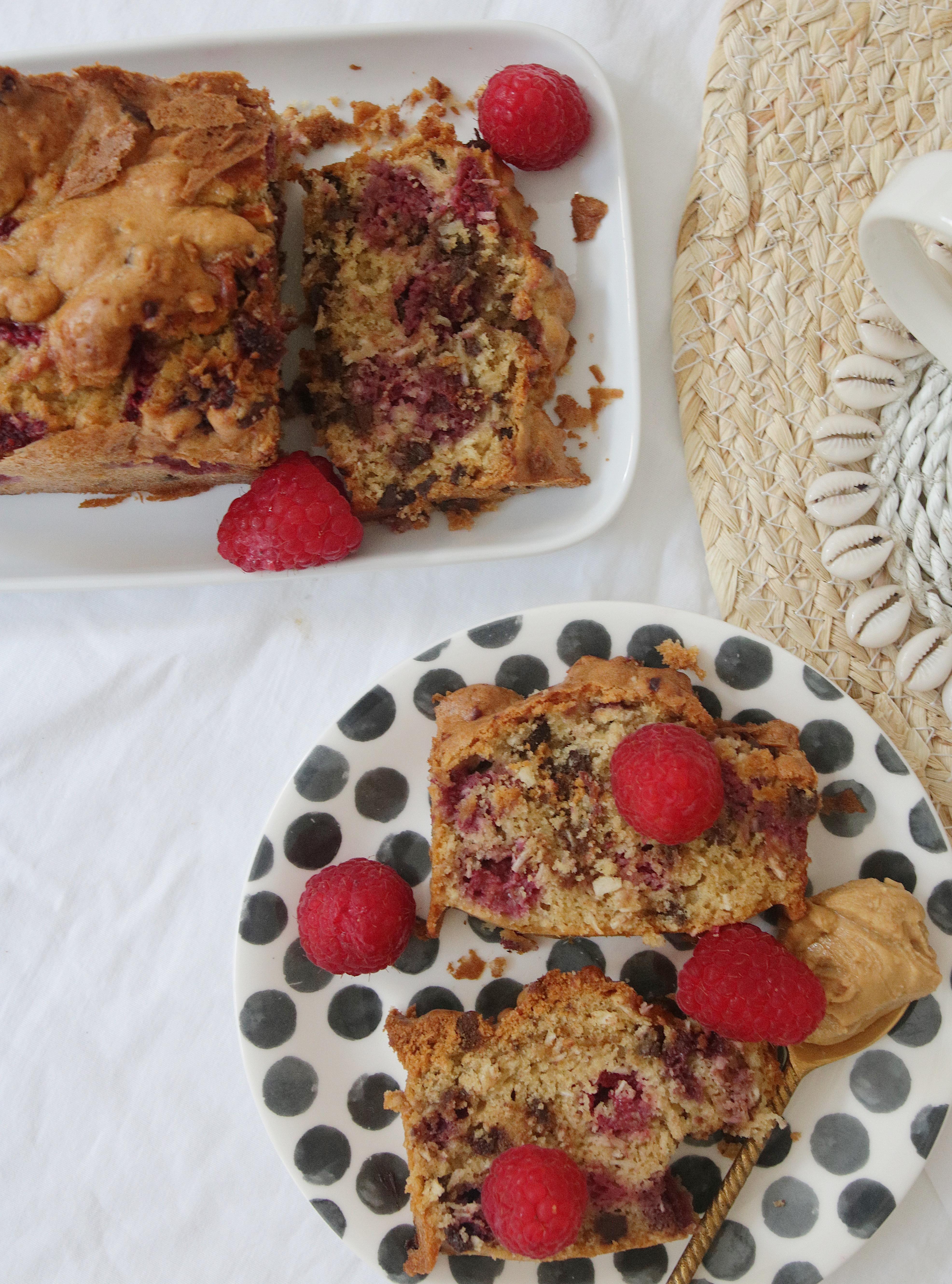 @chon.and.chon ) www.chonandchon.com - Recette cake healthy chocolat noix de coco et framboises, alléger et sain, recette gateau framboise et chocolat