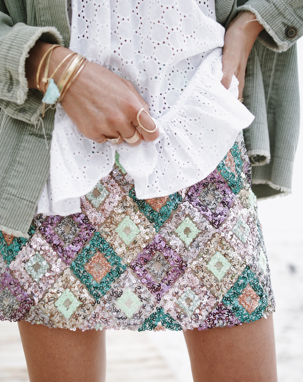 @chon.and.chon - www.chonandchon.com - sequins skirt, mini jupe paillettes, sequin outfit, zara style, converse