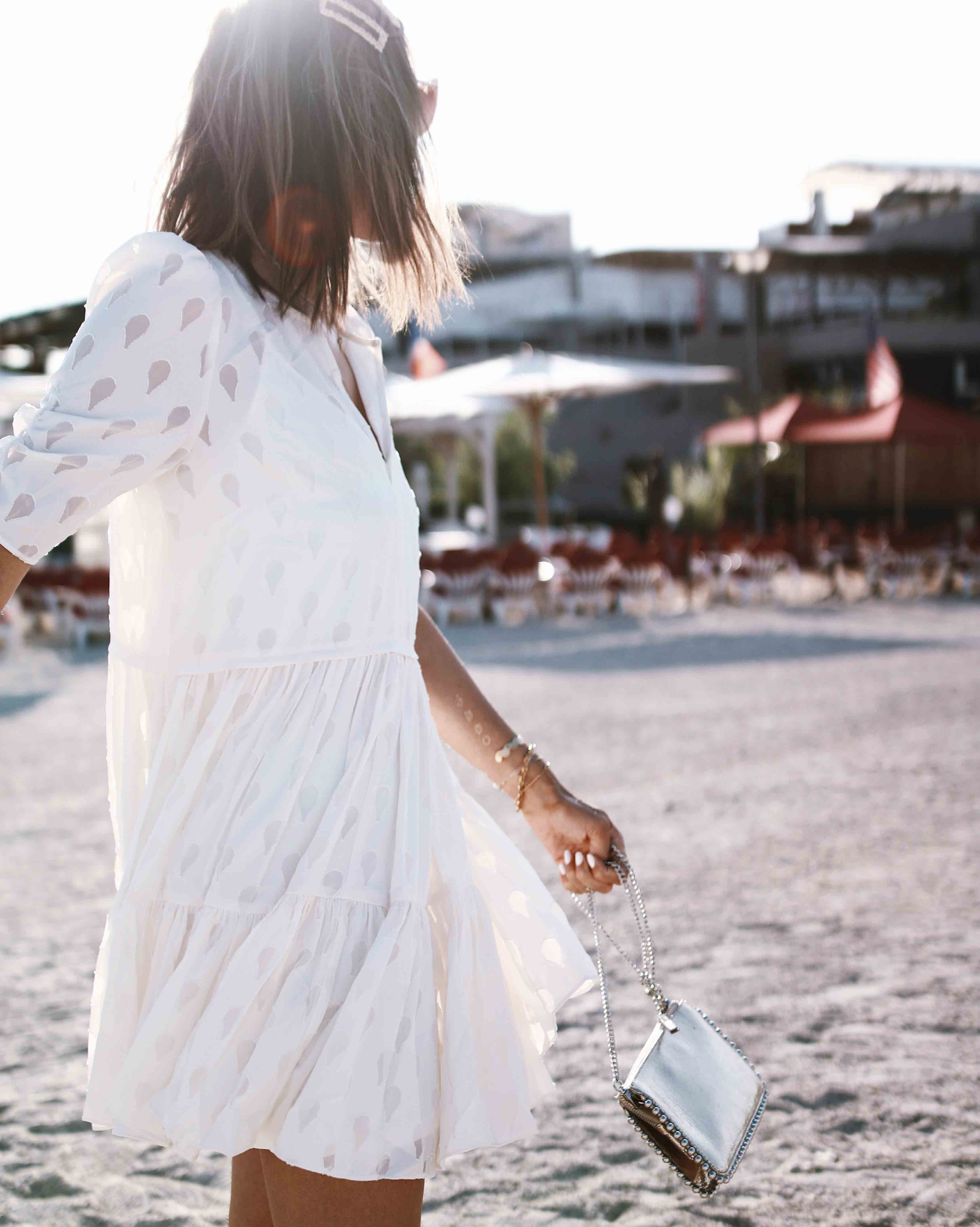 @chon.and.chon - www.chonandchon.com - Robe d'été, summer dress, white little dress, robe courte blanche, robe à volant