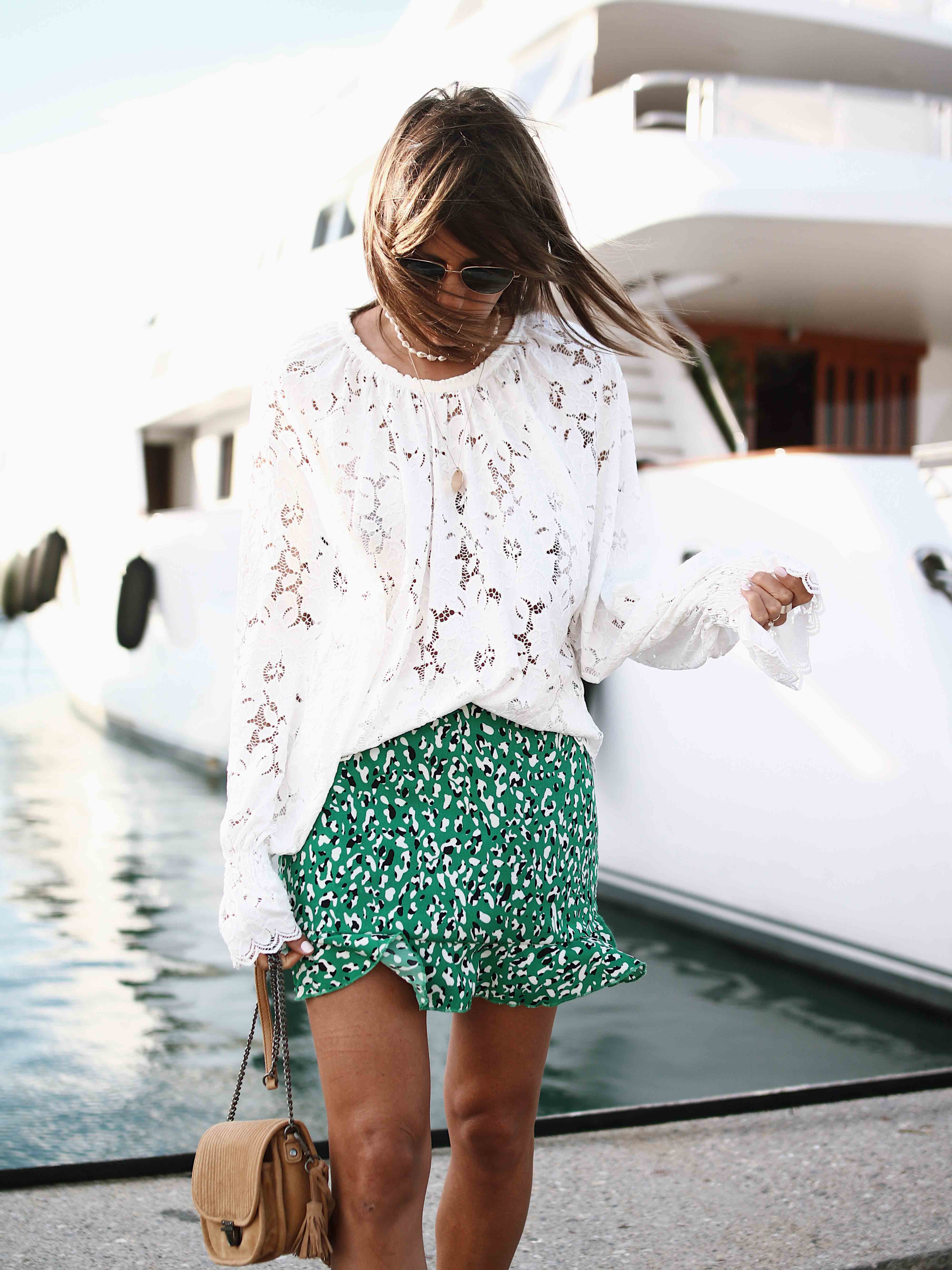 @chon.and.chon www.chonandchon.com superdown lini skirt, free people lace top, sac bandoulière IKKS, casual style, white lace top, blouse blanche dentelle