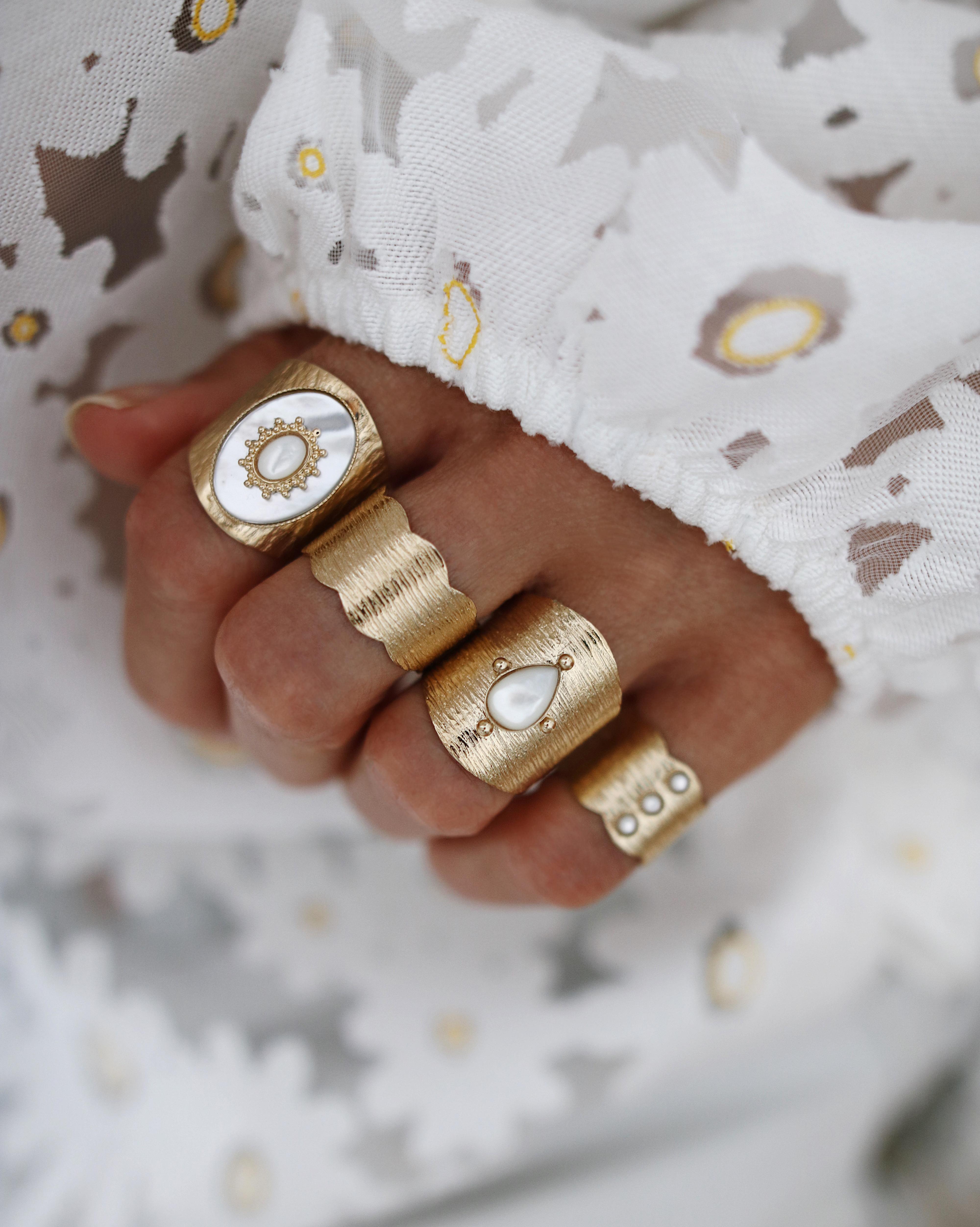 @chon.and.chon www.chonandchon.com ) accumulation bagues, les folies d'agnèes bijoux - bijoux fait mains, handmade jewelry, jewelry photographer, jewelry blogger, jewelry addiction, rings set