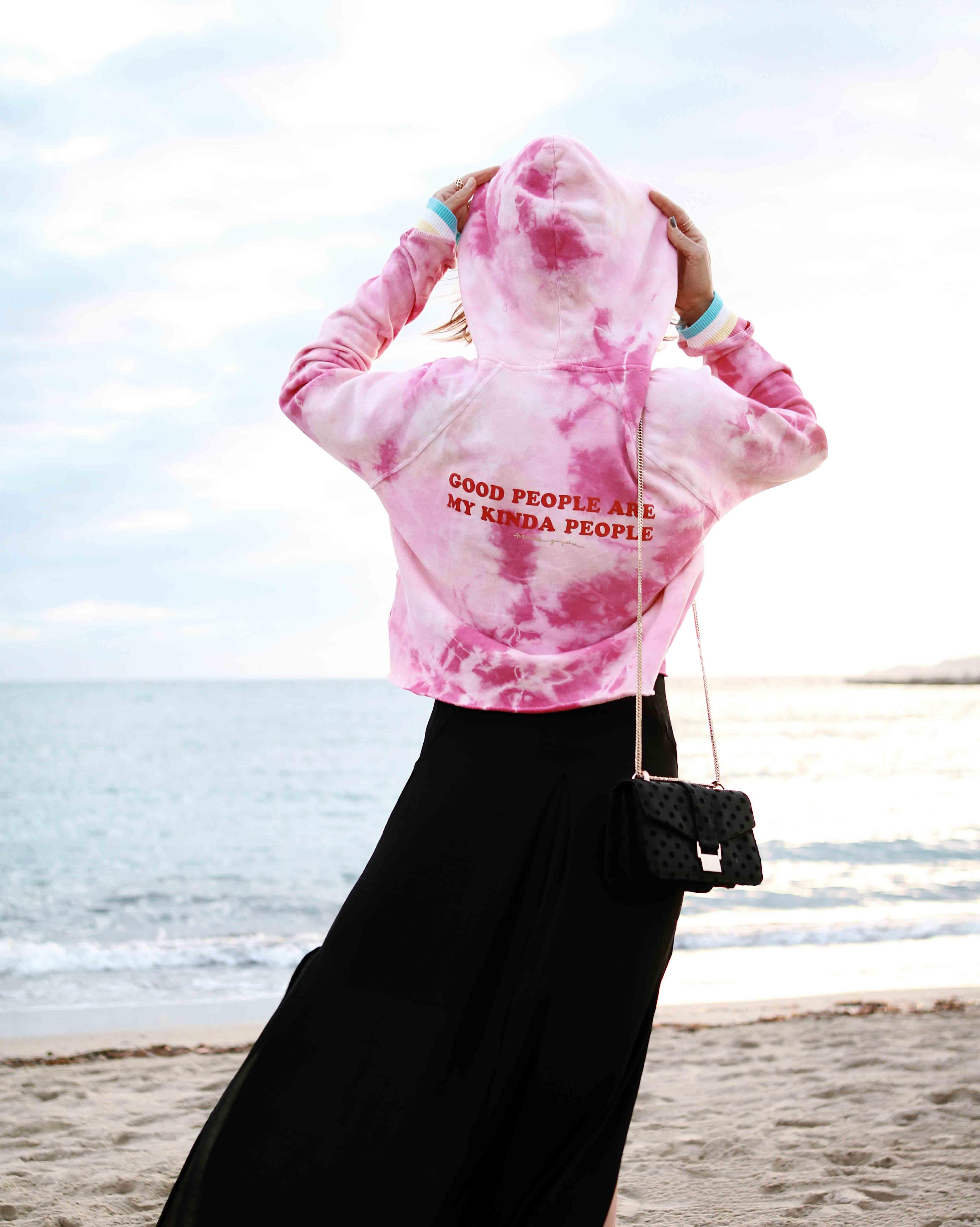 @chon.and.cho, www.chonandchon.com spiritual gangster sweatshirt, sweatshirt style, maxi dress, pink hoodie, hoodie outfit, revolve outift