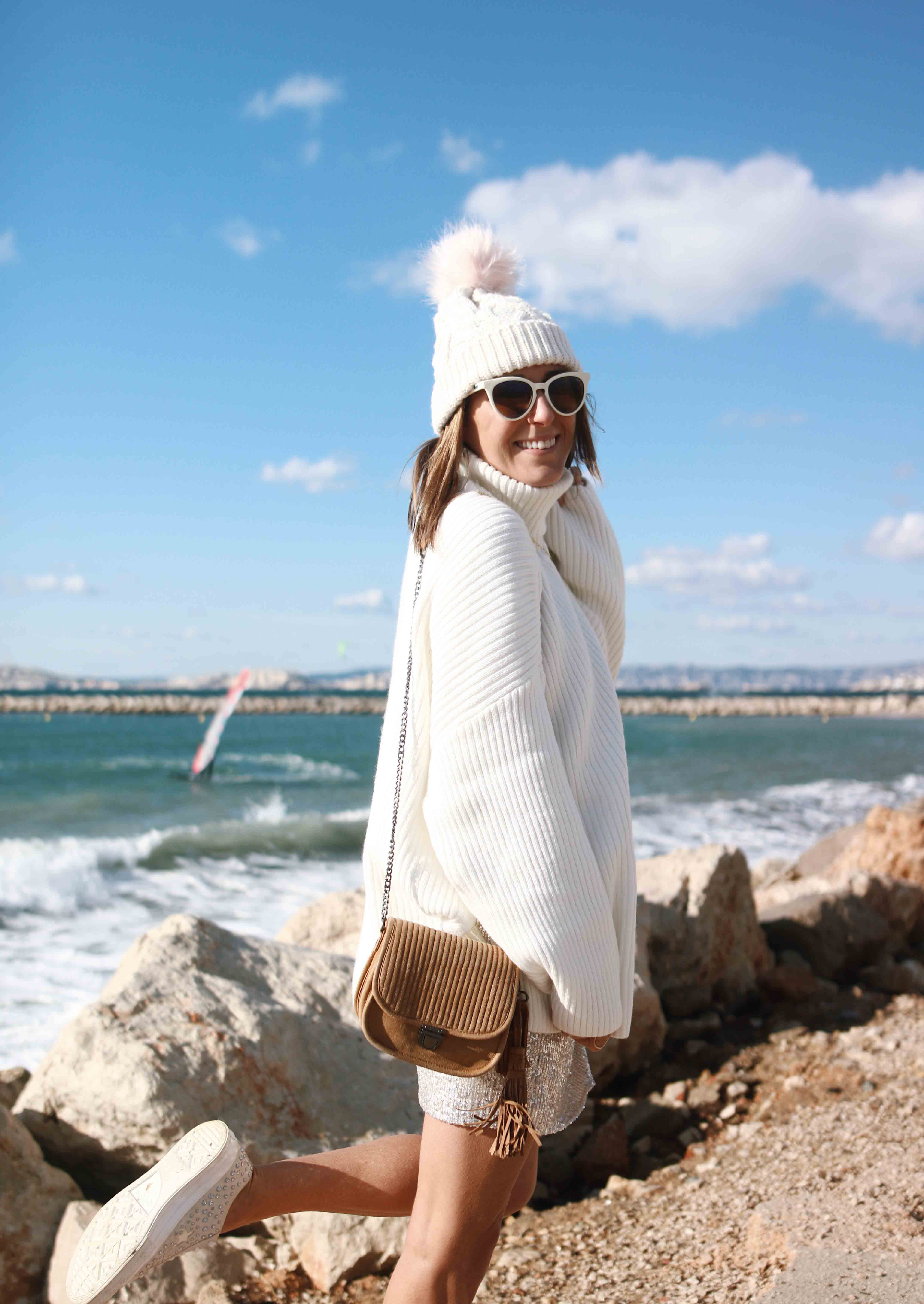 @chon.and.chon mini jupe sequins pull col roulé blanc oversize