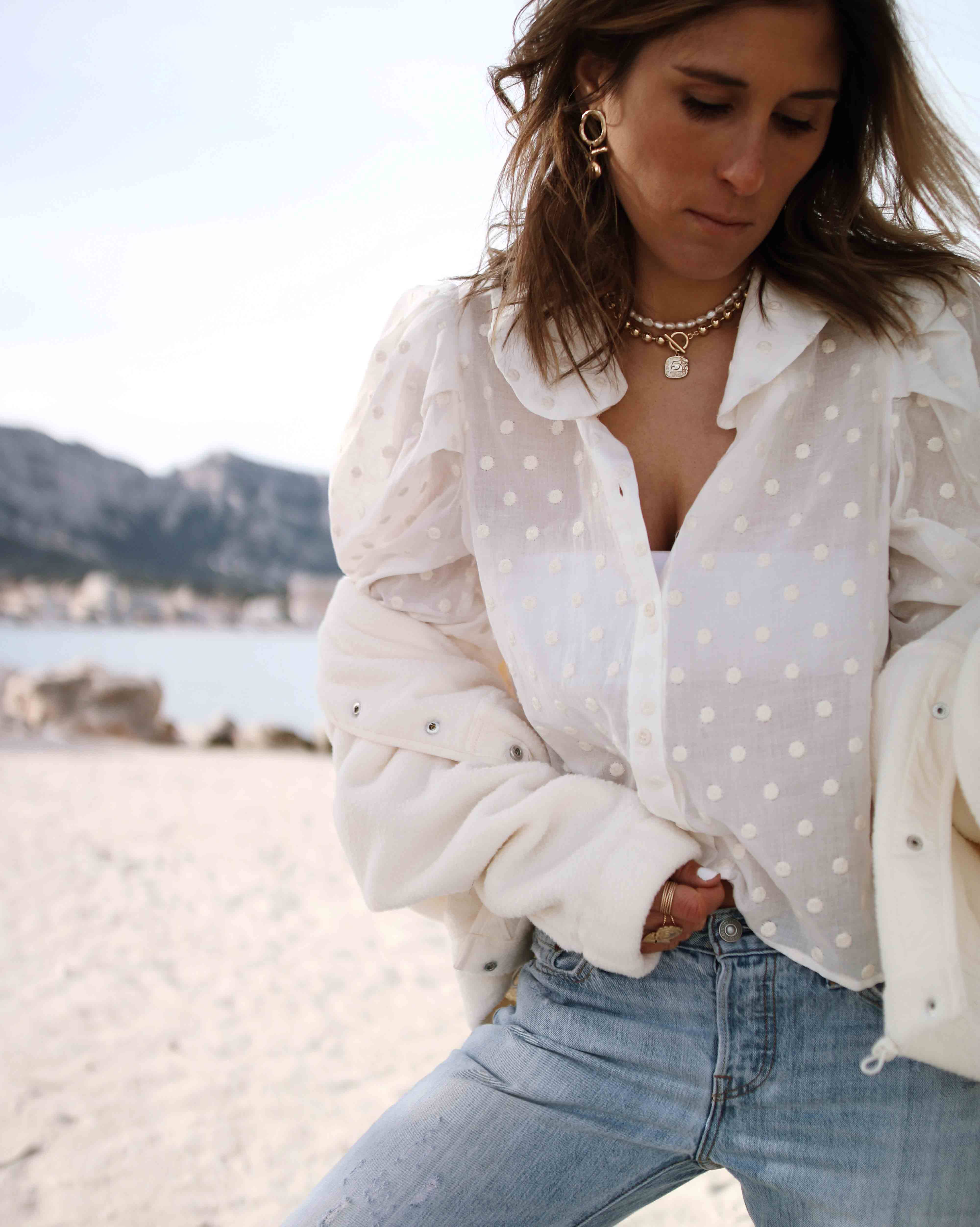 @chon.and.chon fashion blogger, denim and white blouse outfit
