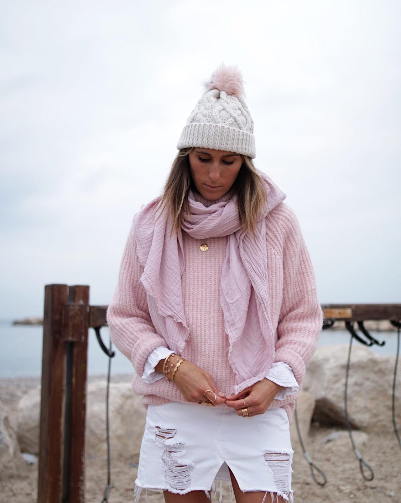 www.chonandchon.com pulle en laine rose, bottines beige