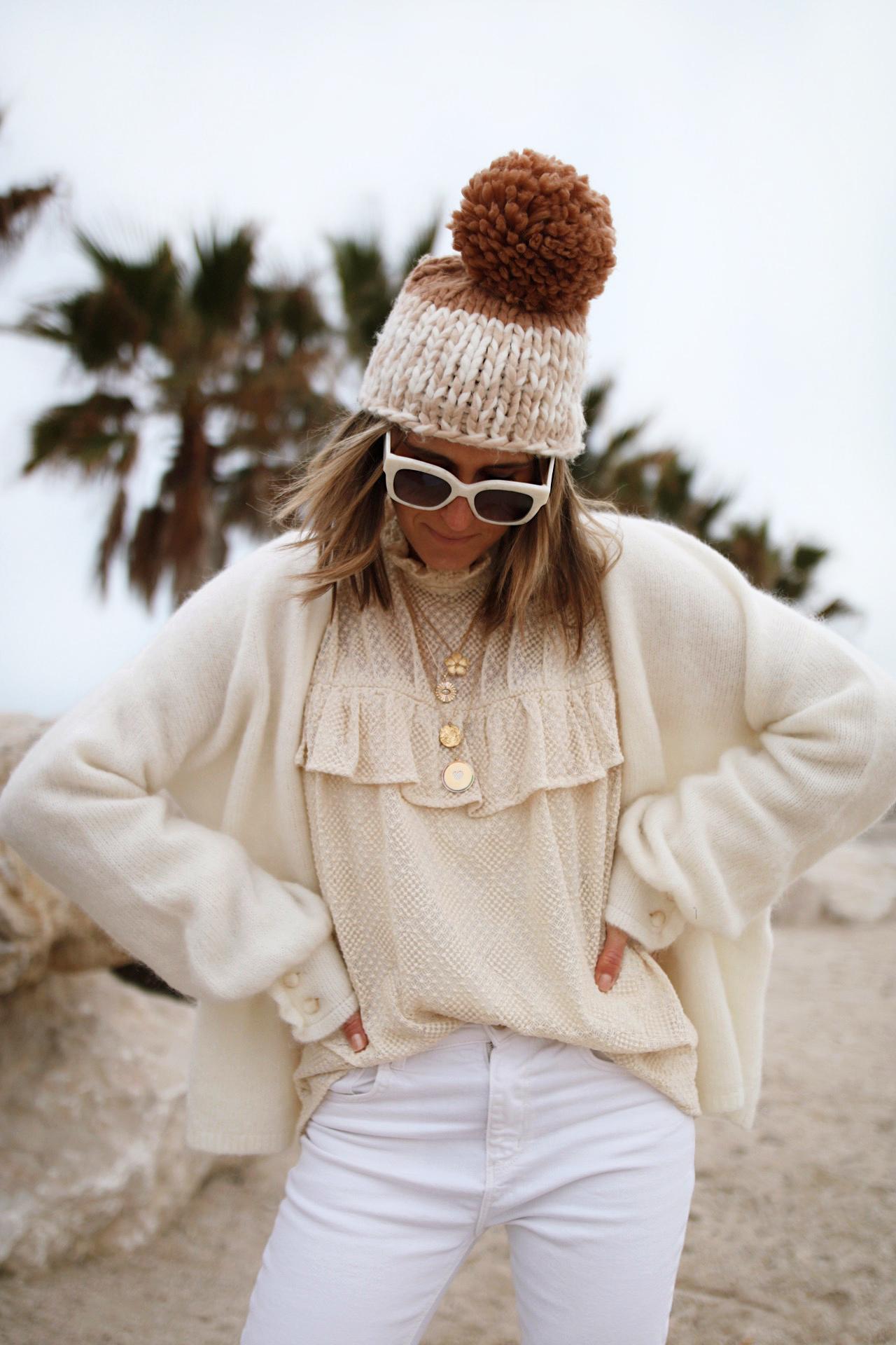 WWW.CHONANDCHON.COM - gilet sézane, blouse stella et Suzie bonnet free people