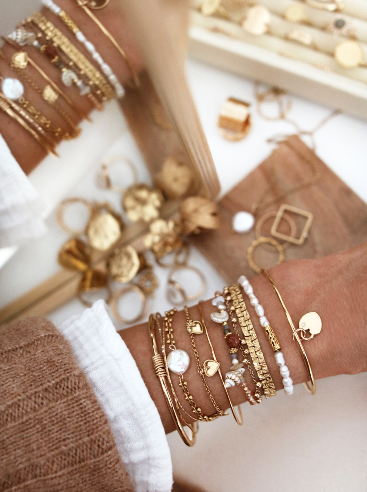 WWW.CHONANDCHON.COM jewelry addict, bracelets stack, bijoux, bijoux addict