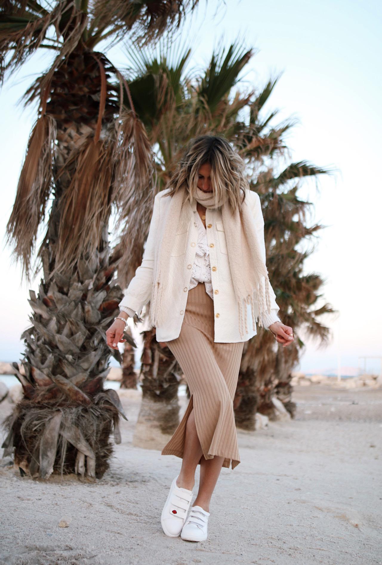 WWW.chonandchon.com blouse sézane, veste maison Stella et Suzie